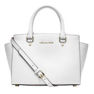 🎉HP🎉 Michael Kors Selma Bag